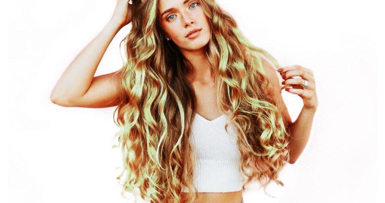 Colore capelli temporaneo: beauty trends e novità