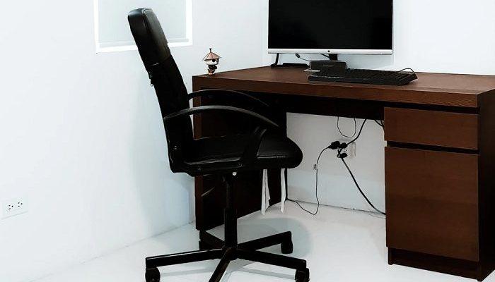 Sedie ergonomiche e standing desk per smart working
