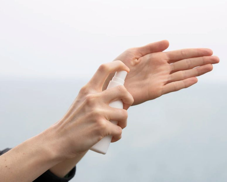 sanificare le mani
